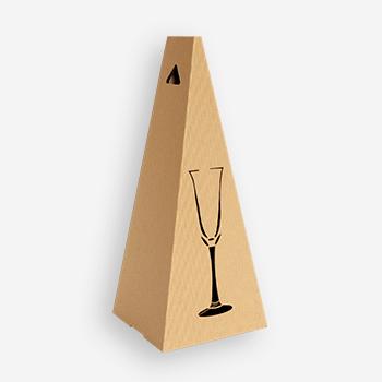 Pudelko na wino w kształcie piramidy z grawerem